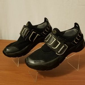 Shimano Mens Cycling shoe w/ Clips Sz 7 / 40